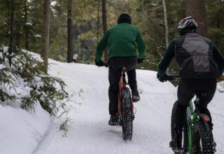 Wie schütze ich mich beim Radfahren vor kalten Händen und Füßen