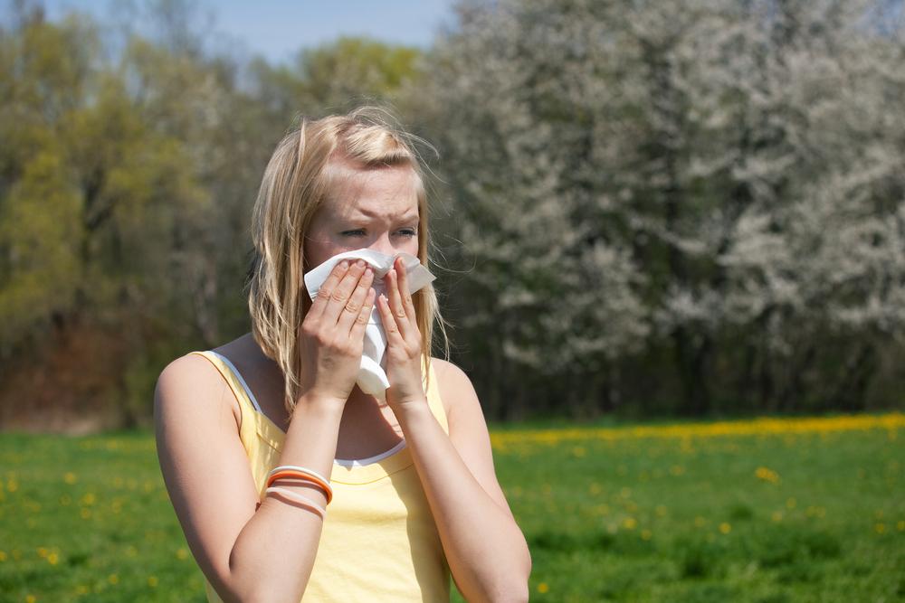 Mit Heuschnupfen laufen 7 Methoden, um Allergien im Zaum zu halten